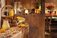 Vlastní stravování v kuchyňce nebo možnost polopenze viz popis ubytování a služeb